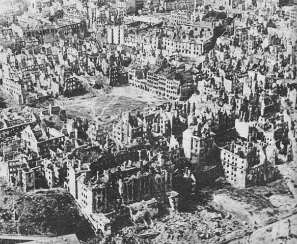583px-Destroyed_Warsaw,_capital_of_Poland,_January_1945